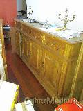 Conjunto de sala de jantar com 1 aparador   1 mesa redonda extensivel E 7 cadeiras em cabedal