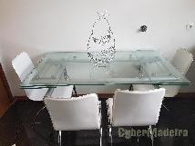 Mesa em vidro E cromado