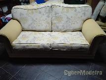 Conjunto de três sofas  um de 2 pessoas os restantes de 1PESSOA