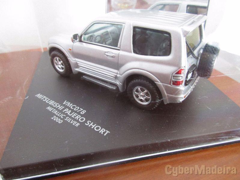 Miniatura de coleção na escala 1:43 jeep