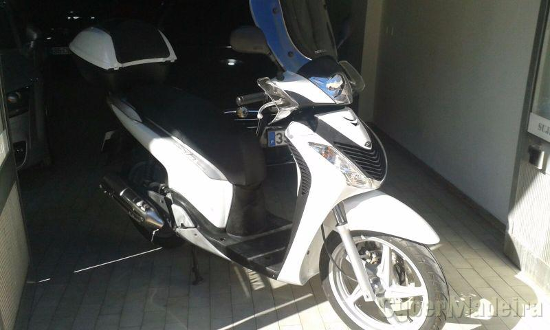 Honda SH 125 cc Scooter