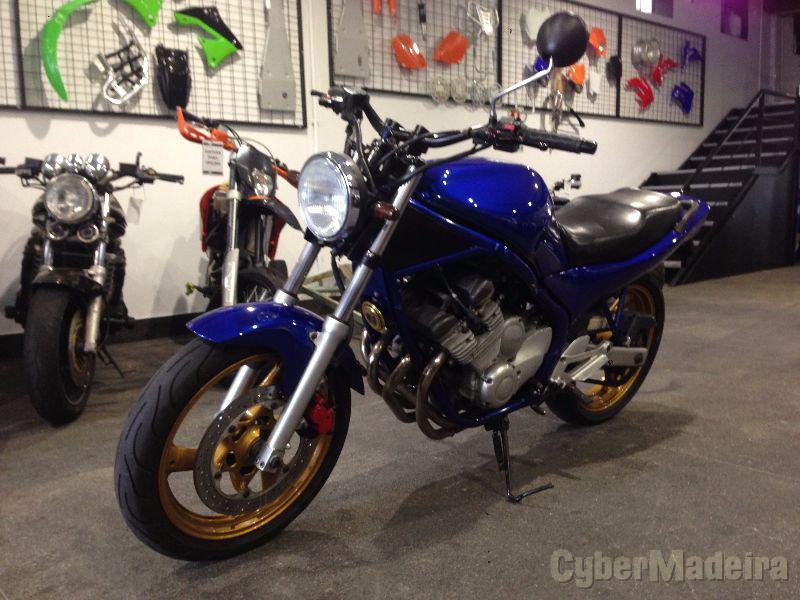 Yamaha XJ600 600 cc Sport, turismo