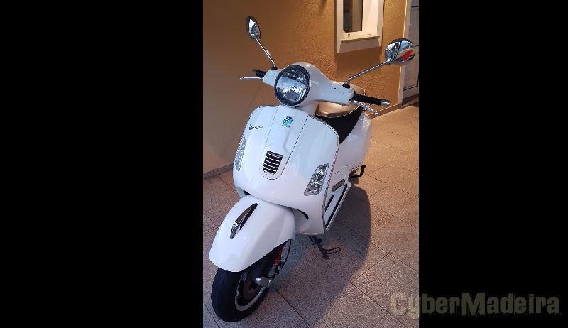 Vespa Gts 300 i.e. super 300 cc Scooter