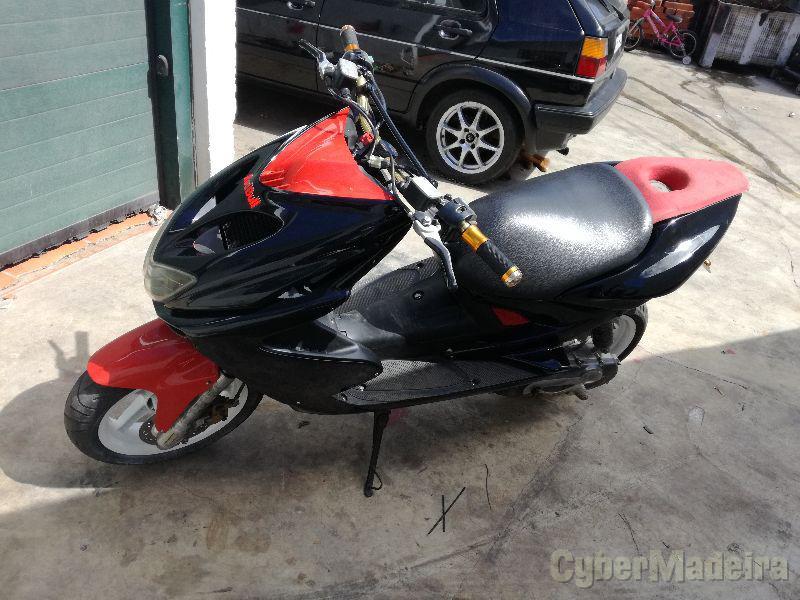 Yamaha . 75 cc Scooter