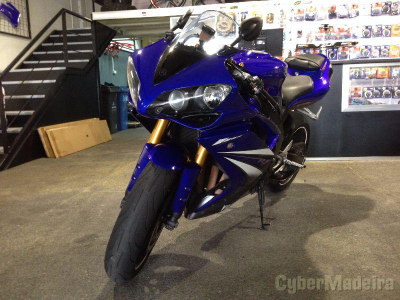 Yamaha R1 2008 1.000 cc Supersport