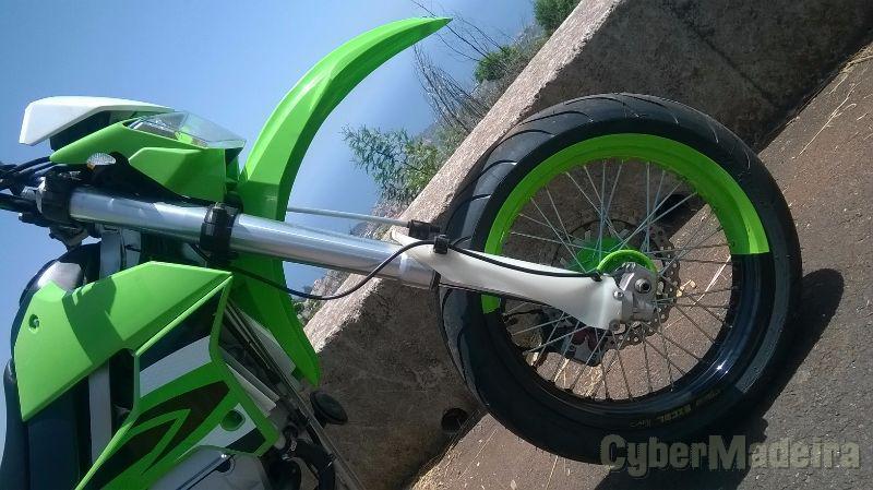 Kawazaki klx250s 250 cc Supermoto