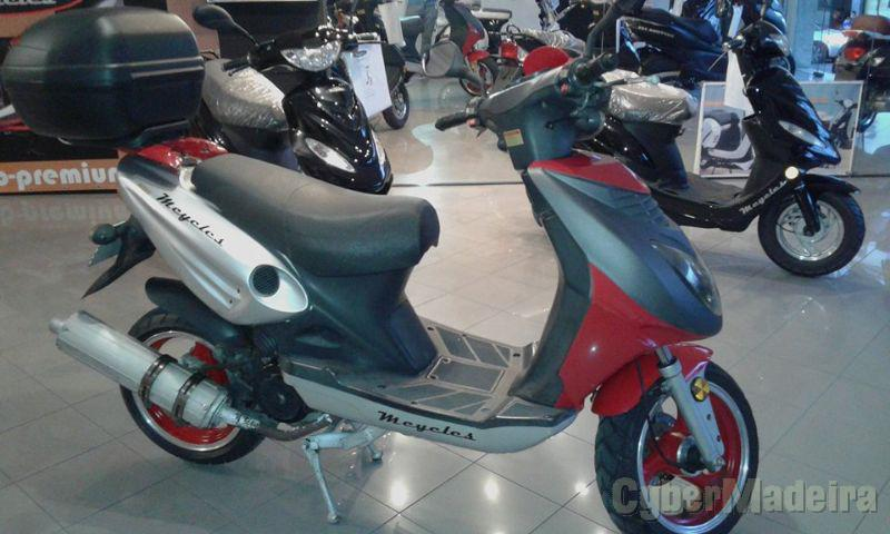 Mcycles Ep125 125 cc Scooter