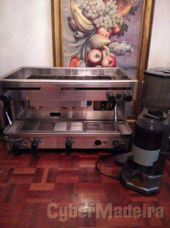 Maquina de cafe cimbali proficional como nova