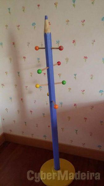 Bengaleiro de quarto de criança.   peça linda E unica