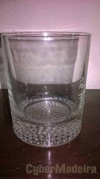 15 copos de uísque novos  nunca usados