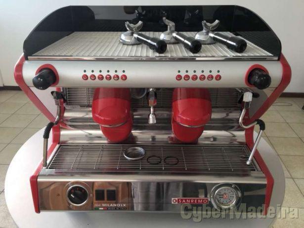 Máquina  café  .completamente nova