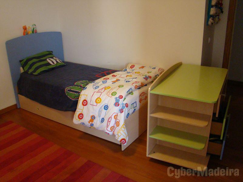 Compacto cama de criança