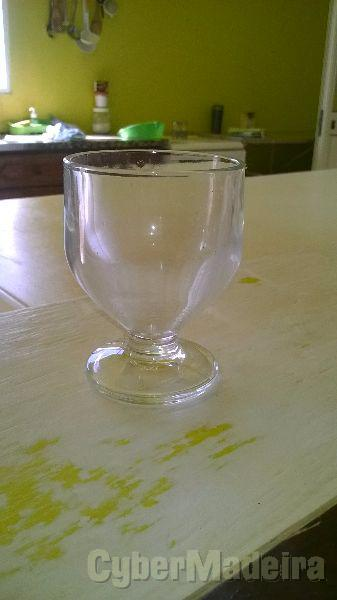 44 copos de poncha novos E nunca usados  ofereço 2 jarros de 1,5 litros