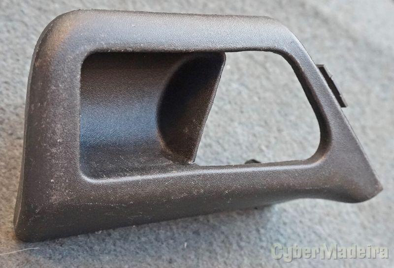 VW Golf 3/ Vento - base do puxador da porta