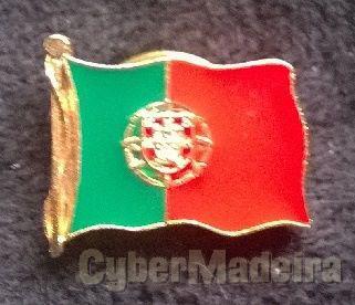 Pin com a bandeira da República Portuguesa