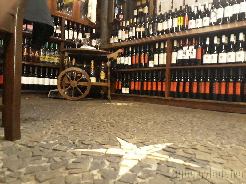 Bar churrascaria e estalagem Estrela Estrada da eira do serrado sítio da Estrela 900 036 Santo António, Courelas