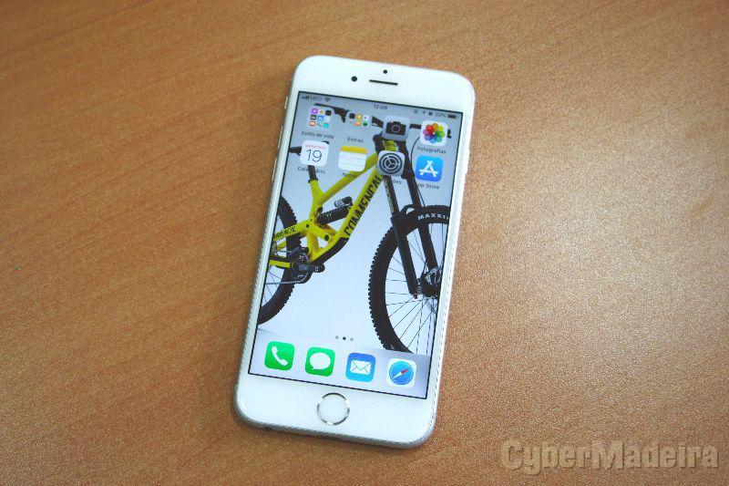 Iphone 6S iPhone 6S 16GB Desbloqueado