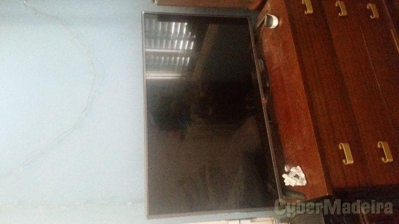 Vendo TV LED LG como nova 110 cmLED 42' SIM